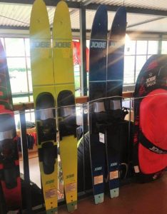 wakeboards en waterski's